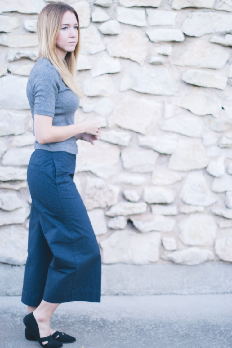 grey-shirt-wide-leg-pant-7-of-10