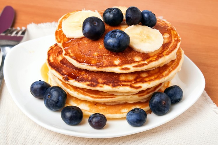 whole-grain-banana-blueberry-pancakes-1-750x500